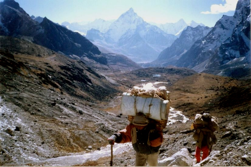 Ama Dablam on ascent to Chola La