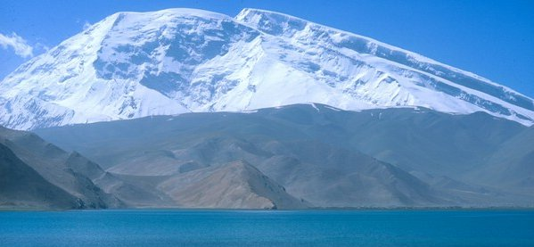 Mustagh Ata ( 7546m ) in the Pamirs in Xinjiang province of China