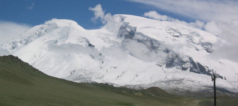 Summit of Mustagh Ata ( 7546m ) in the Pamirs in Xinjiang province of China